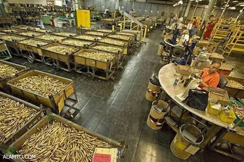 عکس هایی از کارخانه تولید سلاح M16