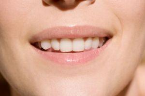 4 غذای مفید برای سلامت دهان و دندان
