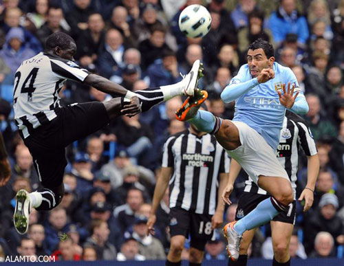 فوتبال یا کاراته !؟ عکس خنده دار