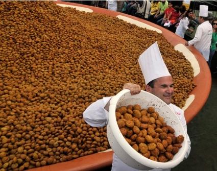 ثبت رکورد پخت یه غذای سنتی لبنانی با وزن بیشتر از 10 تن